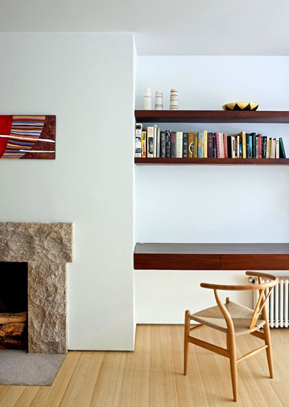 An alternate way to make use of the niches flanking the fireplace.