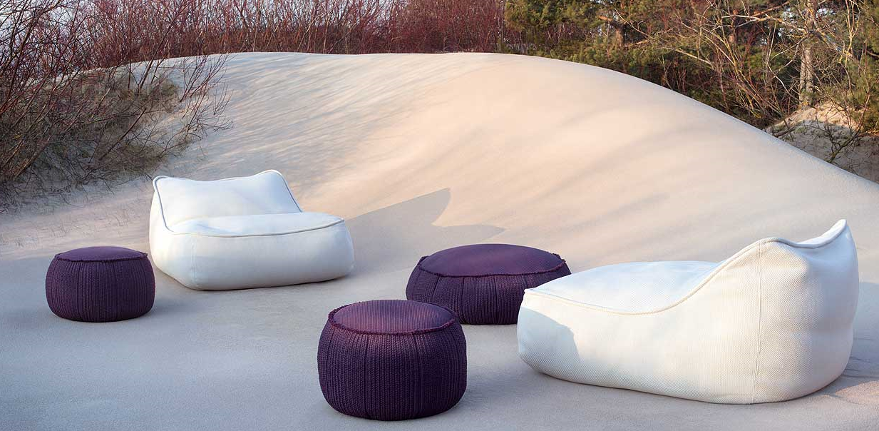 I love this casual seating by Paola Lenti.