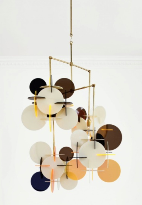 Diciotto chandelier by Vibeke Fonnesberg Schmidt, made of brass and plexiglass