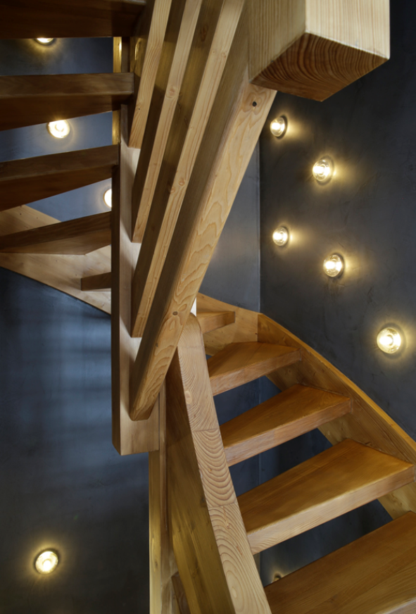 Bocci sconces animate this stairway, #AngeliqueBuisson