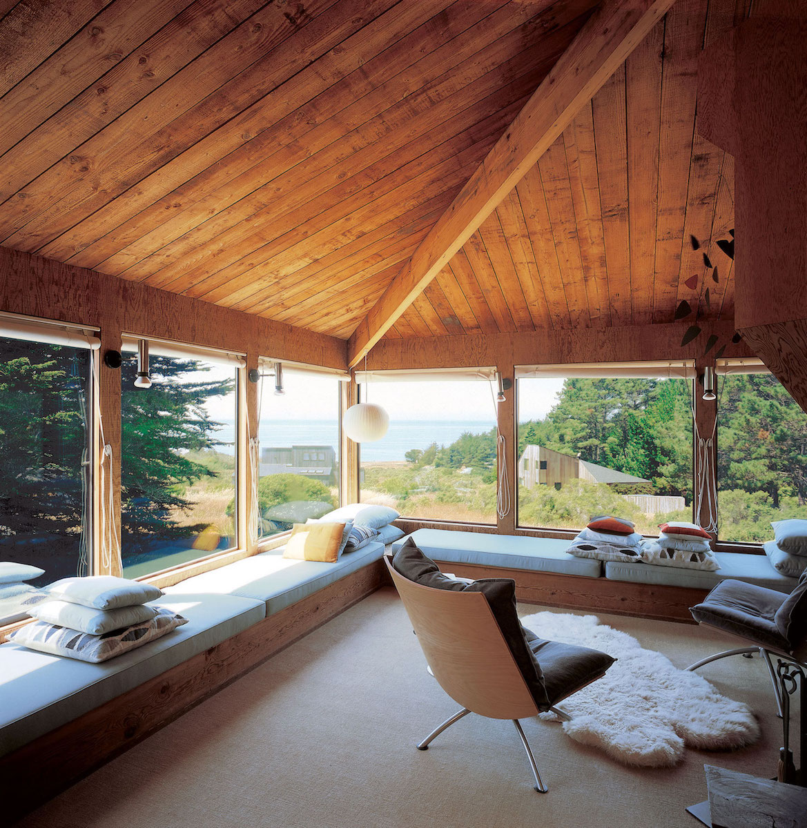 We favor window seats to help contact to the view. #searanch #bjorndesign_ca
